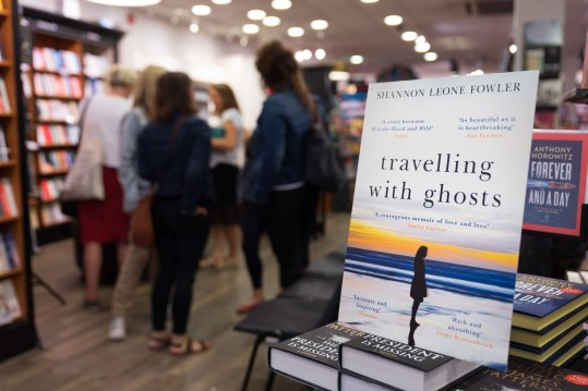 20180613_Traveling with Ghosts Signing_20